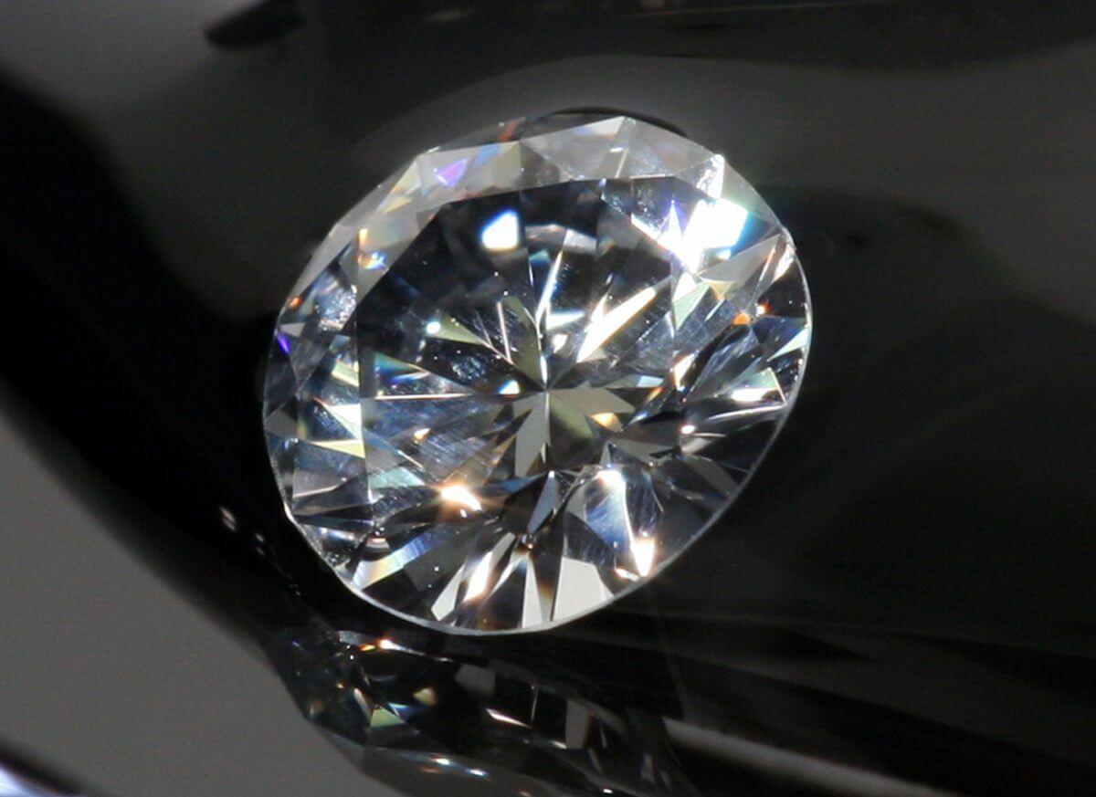 Tierrahechicera - diamante de laboratorio